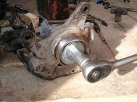 Подробнее: Замена передних ступичных подшипников и тормозных дисков Mazda 626