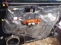 Подробнее: Шумоизоляция дверей Toyota Land Cruiser 100